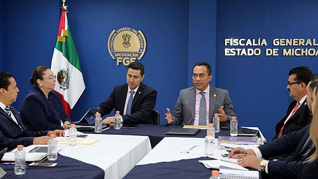 Elabora FGE Nuevo Modelo de Atención para Población de Servicios