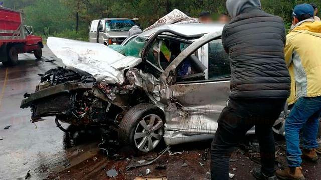 Sube a dos el número de fallecidos por accidente de grupo purépecha