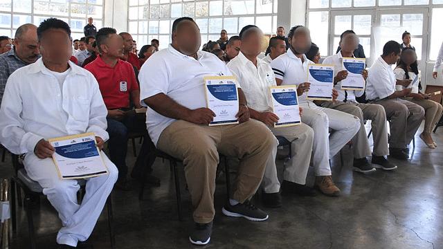 Reos de 11 penitenciariasconcluyen educación básica y media superior
