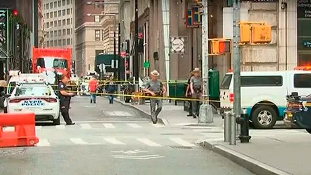 Por paquetes sospechosos, desalojan estación de metro en Manhattan
