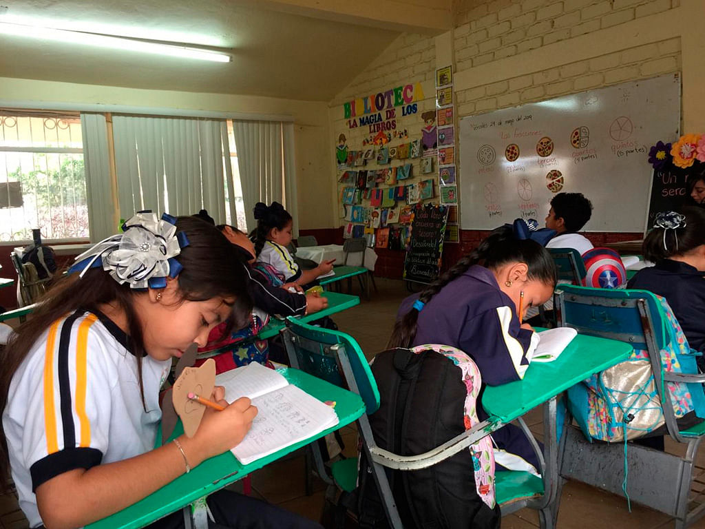 """Aprueban Ley General de Educación; maestros y padres de familia tendrán más """"poder"""""""