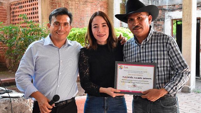 Reconoce Jazmín Arroyo a agrupaciones musicales de Tuzantla en el Día del Músico