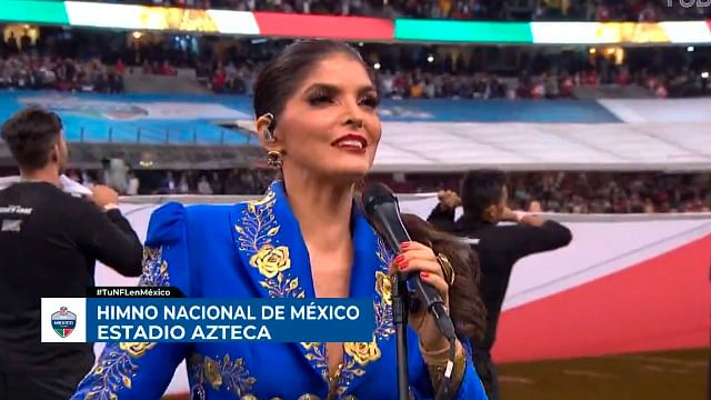 Ana Bárbara se equivoca al cantar el Himno Nacional Mexicano [Video]