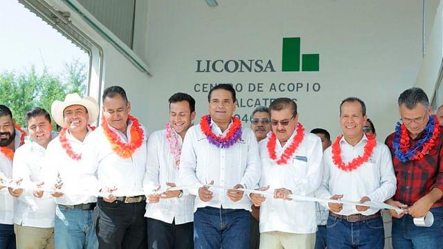 Inaugura gobernador centro de acopio de leche en Tepalcatepec, Michoacán