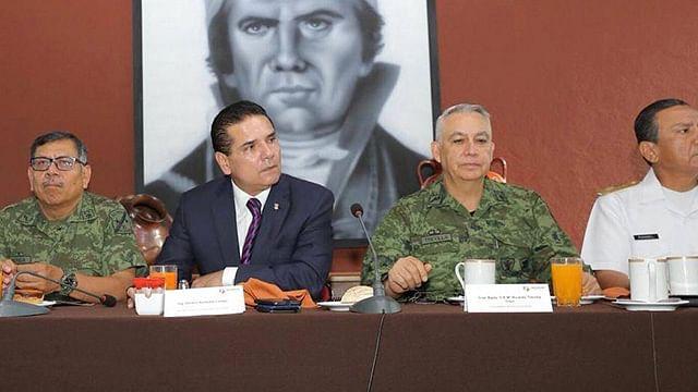 Impone Silvano marca en reuniones de seguridad; suman mil 392