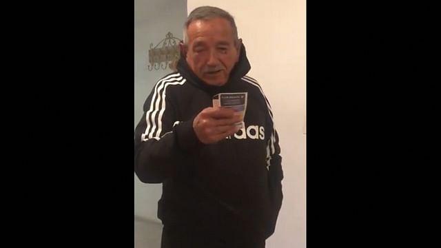 Regalan a abuelito boleto para la final Monterrey vs América, esta fue su reacción
