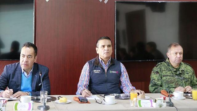 Revisa gobernador estrategia de seguridad en regiones del estado
