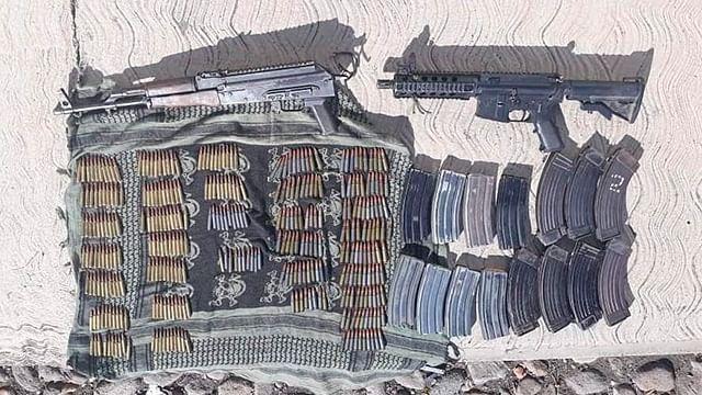 Detienen a dos con armas de fuego y más de 300 cartuchos útiles