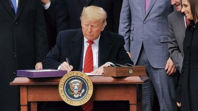 Trump firma T-MEC en Casa Blanca; solo falta ratificación de Canadá