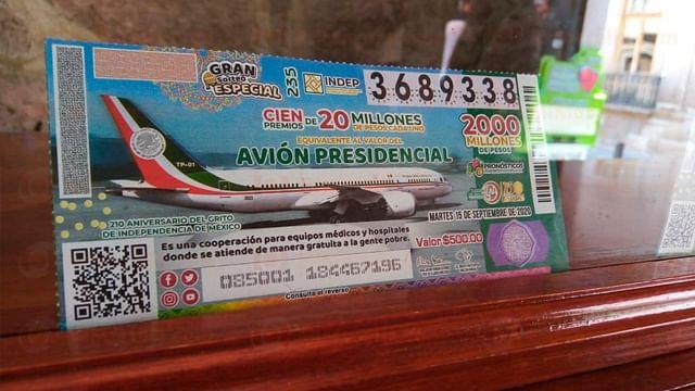 """Por terminarse en Morelia, los """"cachitos"""" de lotería para el avión presidencial"""