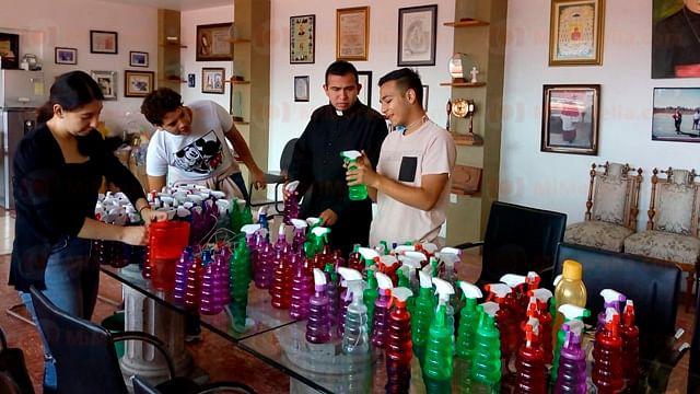 Distribuirá Diócesis de Morelia sanitizante a combis y camiones