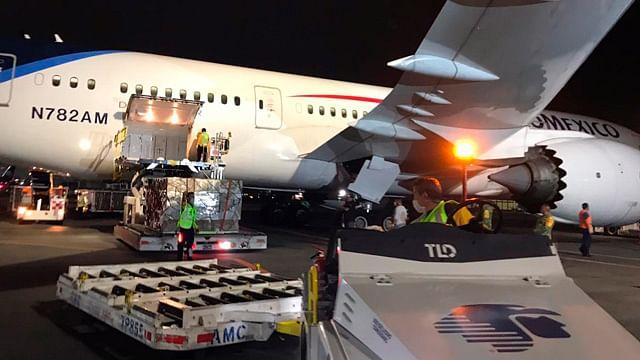 Llega avión a México que traslada insumos médicos de China