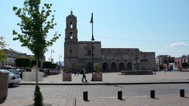 Reabren plazas públicas en Morelia
