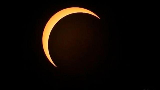 Eclipse anular de Sol da la bienvenida al verano