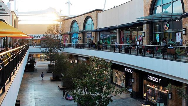 Liverpool, Sears, Sanborns y otros locales reabren en Paseo Altozano