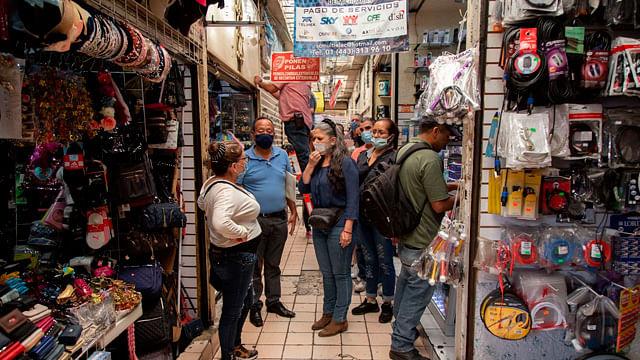 No habrá sanciones punitivas para comerciantes, sólo que caigan en excesos: Morón
