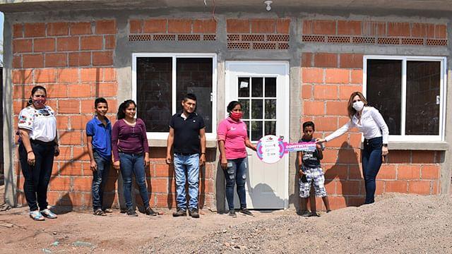 Beneficiadas en cinco años, 49 mil familias con vivienda en Michoacán