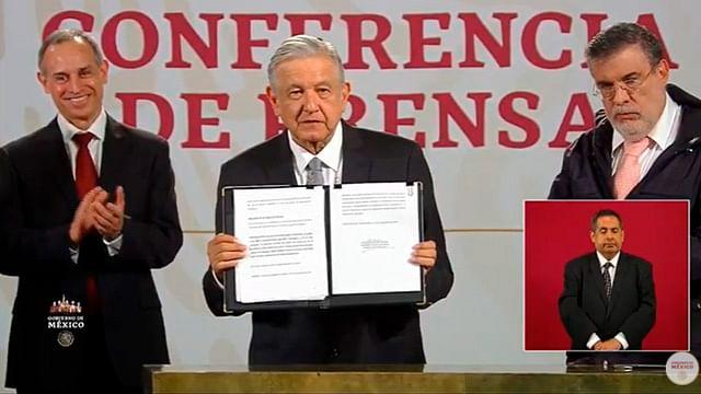AMLO firma solicitud de consulta para enjuiciar a 5 expresidentes de México