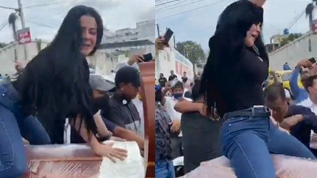 """En pleno funeral, mujer """"perrea"""" sobre el ataúd de su esposo [Video]"""
