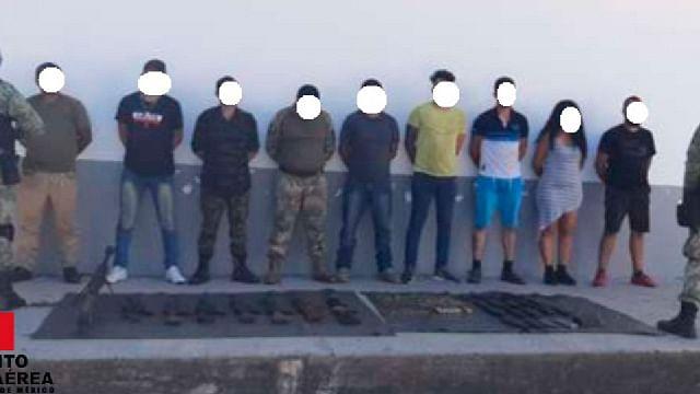 Detienen a nueve personas y les aseguran armas, en El Aguaje