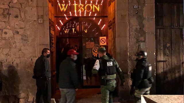 Morelia: clausuran un bar e infraccionan otros dos por no acatar medidas