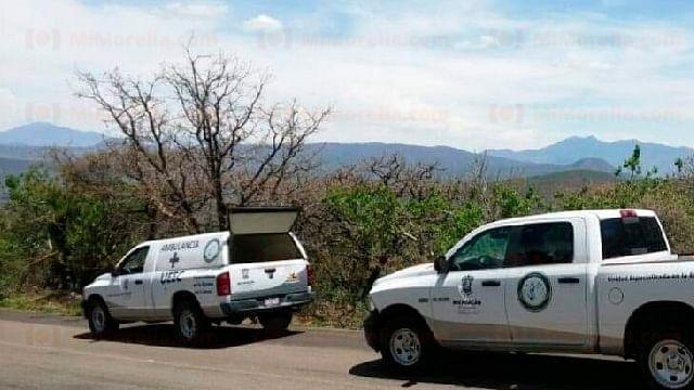 Hallan cadáver a un lado de la carretera Zamora–Morelia
