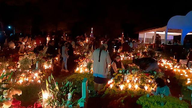 Michoacán tuvo más de 129 mil turistas en Noche de Muertos