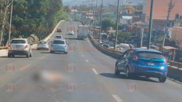 Muere mujer atropellada en el libramiento de Morelia