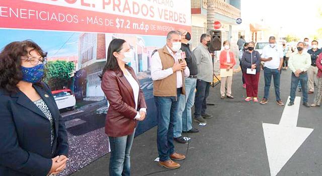 Raúl Morón inaugura reencarpetamientos en la colonia Prados Verdes