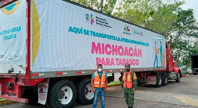 Llega a Tabasco ayuda enviada por Michoacán en apoyo a damnificados
