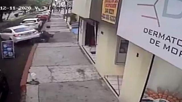Así atropelló a sujetos que lo querían asaltar, en Morelia [Video]