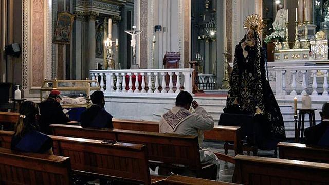 Prohíbe Arquidiócesis de Morelia misas después de las 7 de la noche
