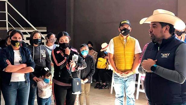 Tony Martínez resuelve gestiones de la población de Irimbo