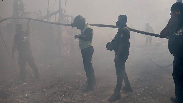 Incendio consume 4 viviendas en colonia irregular de Morelia