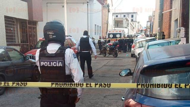 Asesinan a balazos a hombre cerca de avenida Nocupétaro, en Morelia