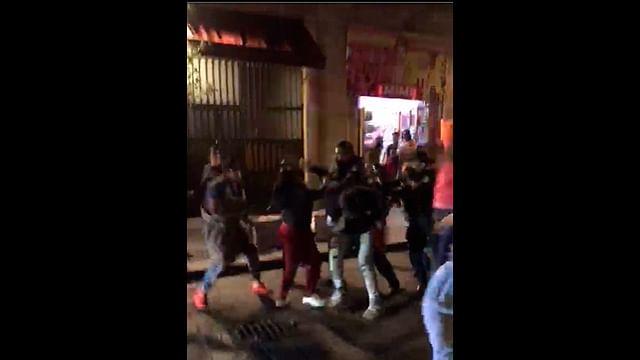 """Policías y comerciantes de """"Capuchinas"""" se enfrentan en Morelia; hay un detenido"""