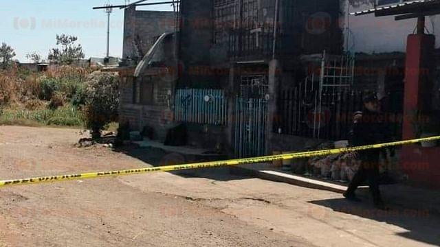 Asesinan a balazos a policía municipal en Apatzingán