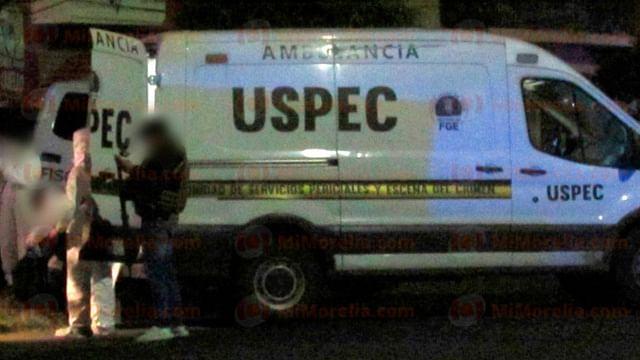 Hallan 3 ejecutados dentro de vehículo en Pátzcuaro, Michoacán