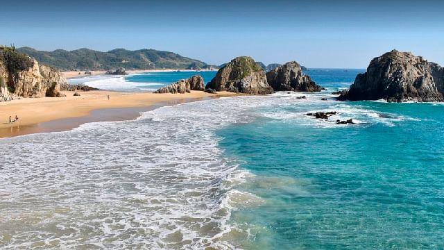 Conoce playa La Llorona, paraíso en Michoacán que guarda un misterio