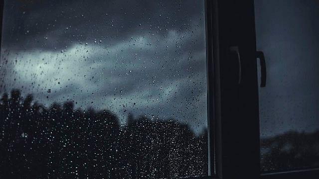 Reportan apagones por lluvia en colonias de Morelia