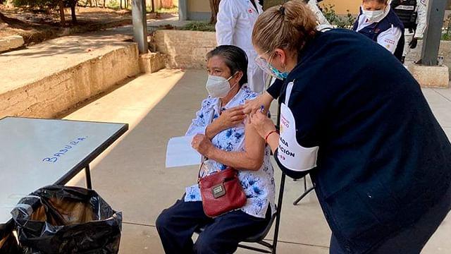 Contactados, más de 10 mil adultos mayores para vacunación en Morelia