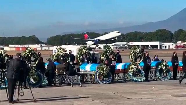 Llegan a Guatemala restos de migrantes asesinados en México