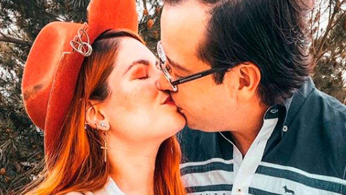 Pierde su bebé la youtuber Regina Carrot [Video]