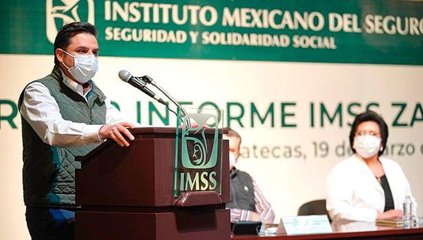 Compromiso de servidores públicos han permitido respuesta a pandemia: IMSS