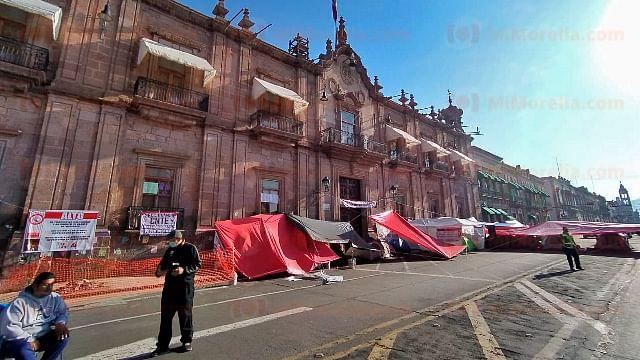 Ante protestas en Morelia, magisterio y autoridades se reunirán el lunes
