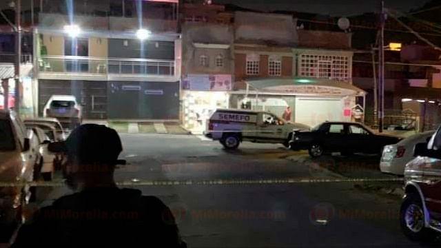 Asesinan a balazos a hombre en un taller eléctrico, en Uruapan