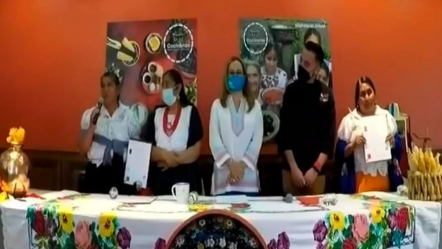 Reconocen habilidades y valores de cocineras tradicionales de Michoacán