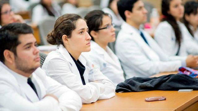 Estas licenciaturas de la UMSNH reanudarían actividades en laboratorios