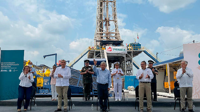 AMLO presenta yacimiento petrolero descubierto en Tabasco