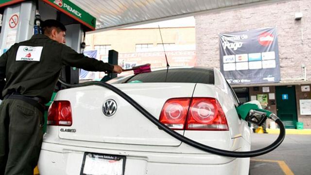 """Hallan novedoso """"rastrillo"""" en gasolinera de Michoacán; roban a distancia"""